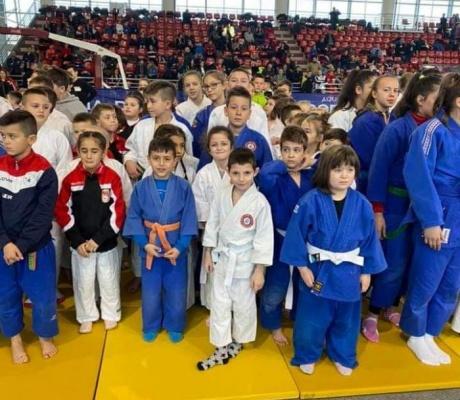 DOBOJ: Džudisti Athlete M uspješni u Laktašima (FOTO)