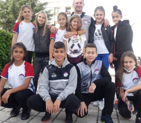 "DOBOJ: Žetva medalja mladih karatista KK ""Sloga-Hemofarm"" (FOTO)"
