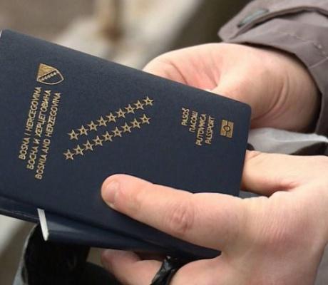 """ODLAZAK USPOREN: Bosna i Hercegovina zaradila od ljudi koji su je se odrekli """"samo"""" 1,2 miliona KM"""