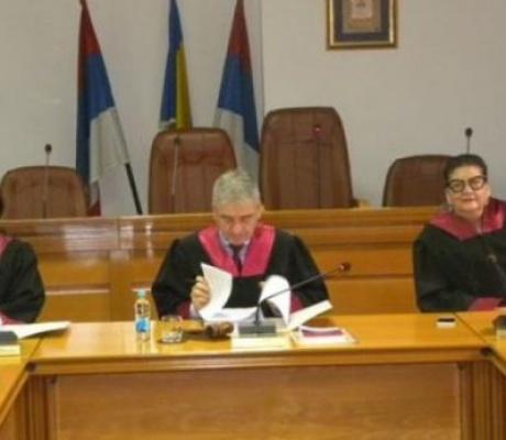 JAČI I OD ZAKONA: Ministarstvo finansija RS ne poštuje odluku Ustavnog suda RS