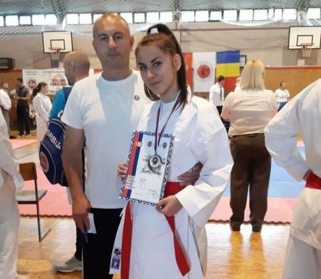 """DOBOJ: Karatisti """"Vile"""" uspješni na internacionalnom karate turniru u Tutinu (FOTO)"""