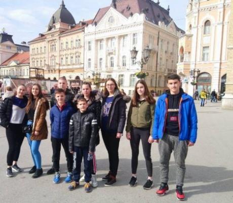 """DOBOJ: Karatisti """"Vile"""" na takmičenju u Novom Sadu (FOTO)"""