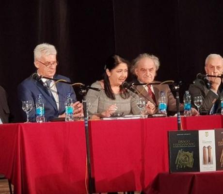 DOBOJ: Promovisana knjiga o umjetniku Dragi Handanoviću