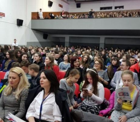DOBOJ: Mladi nisu svjesni sankcija za zloupotrebu interneta